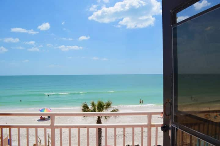 Cozy Gulf Front Condo ~ Best Deal on Sunset Beach!