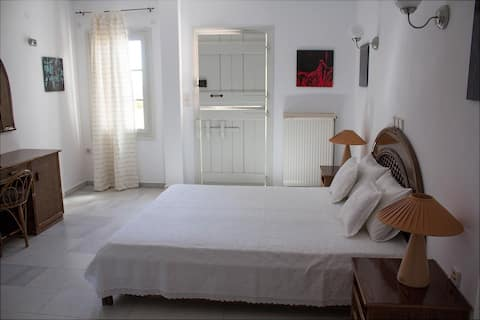 Cute studio with big terrace and stunning views