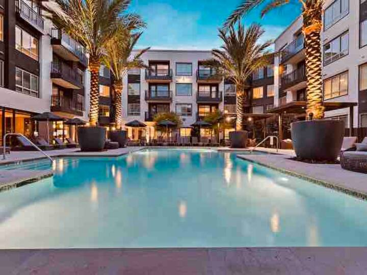 CHIC AND QUIET STAY IN DOWNTOWN ORLANDO!