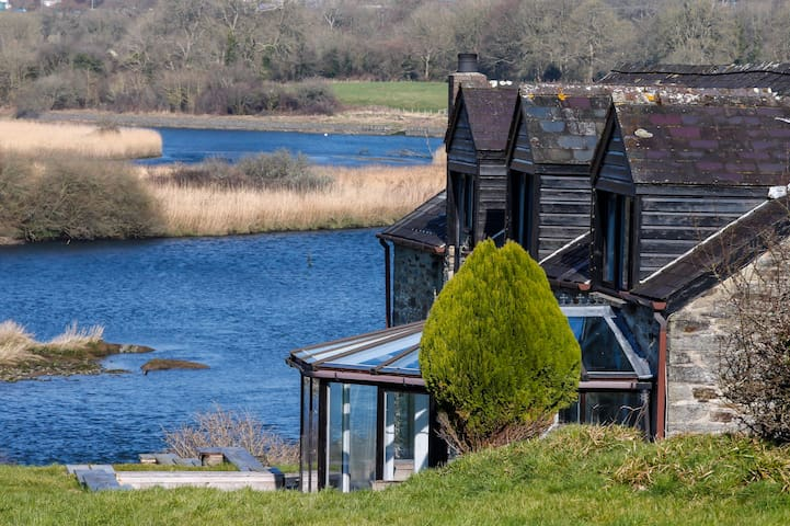 Magical views of Teifi and Wildlife Park with PHT