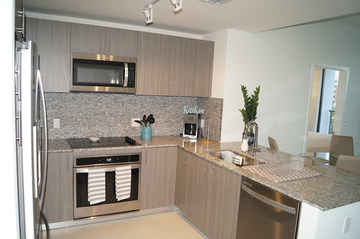 Lovely New Condo in the Heart of Doral.