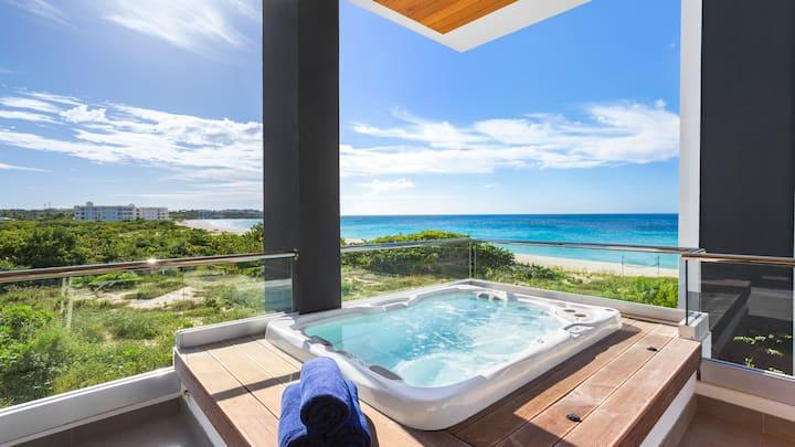 Premium 1 Bedroom Condominium with Ocean Views, Terrace & Hot Tub