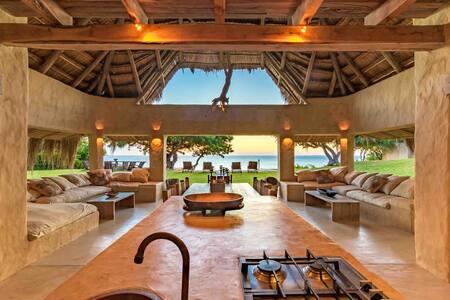 Mamas Lodge. Situated on a beautiful tiny island
