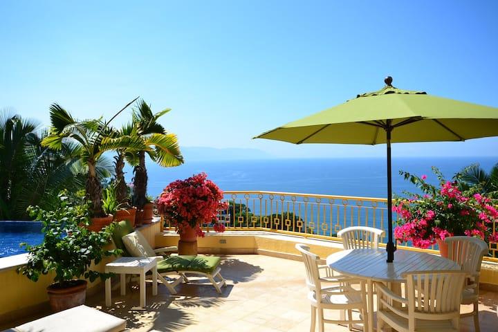 Luxury villa with private pool & maid service