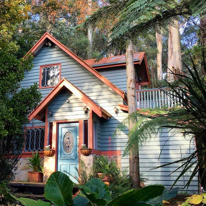 Wild Orchid Olinda~Private Self Contained Cottage
