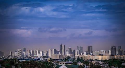 cityscape view near Taytay night market