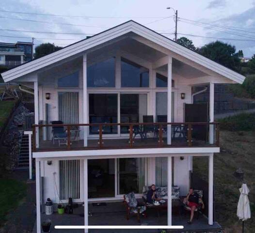 Vakker, vestvendt leilighet, med gode solforhold!
