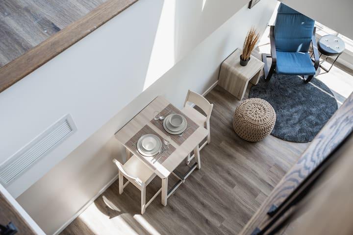 2 Storey Loft Kensington Mkt Stunning Views - 405