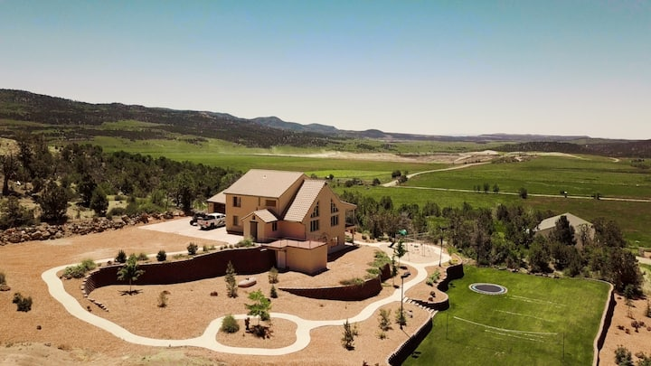 World Class Estate located in between Bryce & Zion