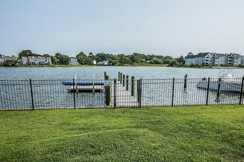 Hampton River Retreat Deluxe
