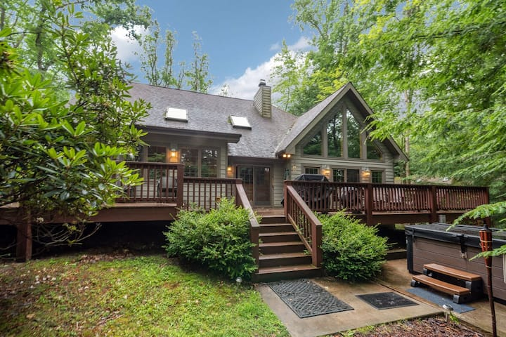 Lakefront Home w/Private Dock, Hot Tub, & 2 Wood Fireplaces!