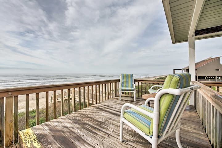 Beautiful Beachfront Galveston Home w/ Deck!