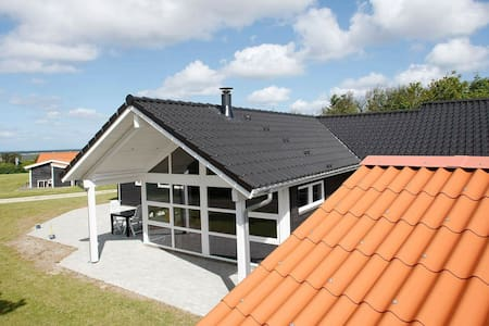 Spacious Holiday Home in Logstor with Swimming Pool