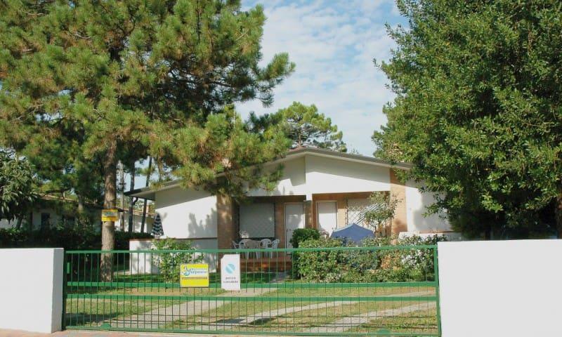 Villa Allodola D - with garden and beach equipment - Lignano Sabbiadoro - Villa