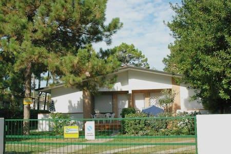 Villa Allodola D - with garden and beach equipment - Lignano Sabbiadoro
