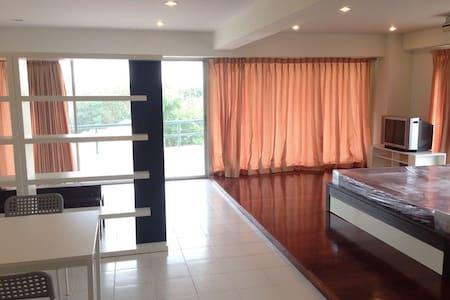 1 bedroom near Yanhee hospital and Rama VII bridge - 曼谷 - 公寓