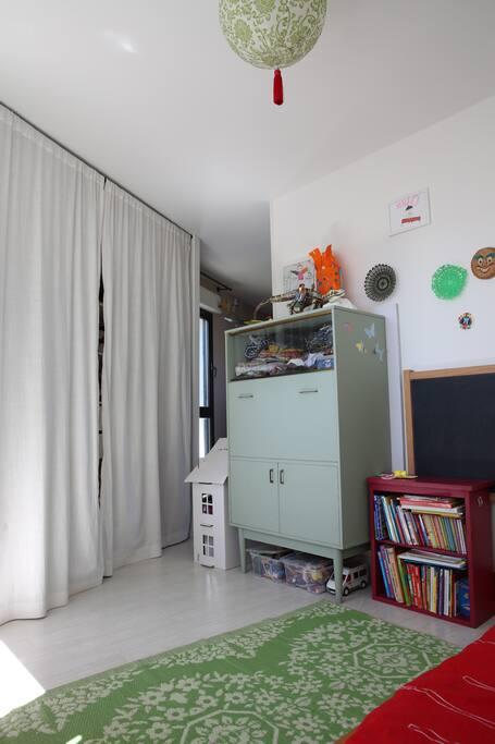Appt lumineux et spacieux pres gare appartements en - Appartement spacieux lumineux en suede ...