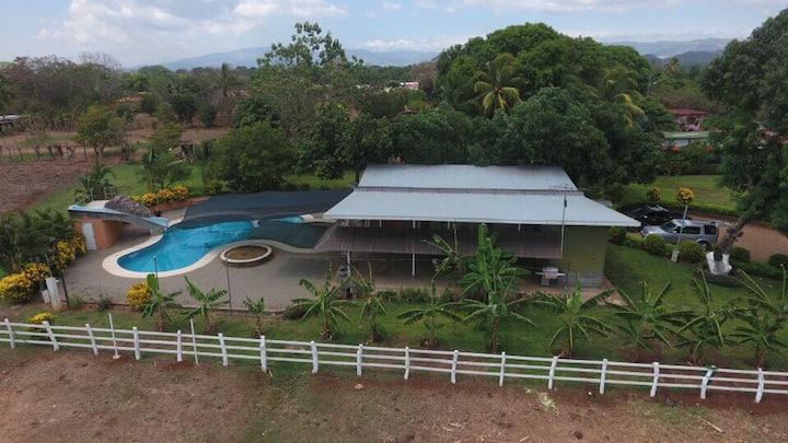 Rancho Castillo&Gonzalez private Village & Pool