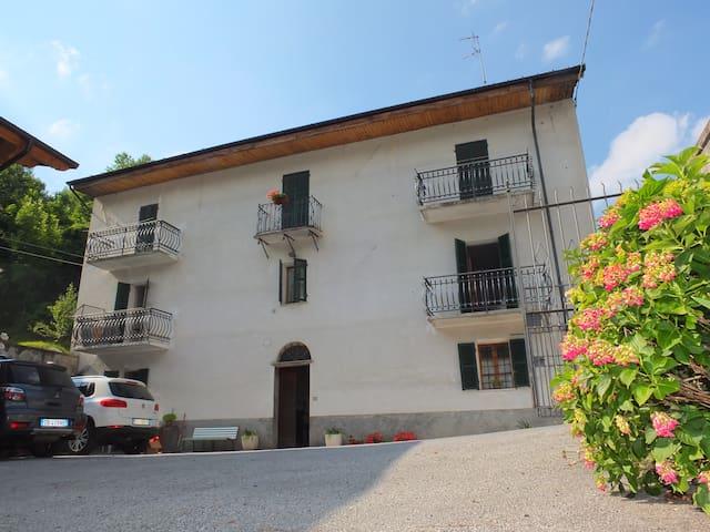 la Caserma  - alloggio Elicriso - Pamparato