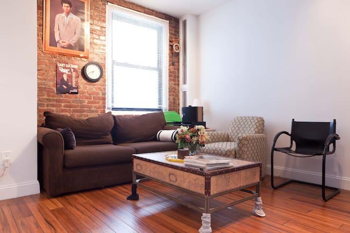 Modern Luxury Loft 10-15 min to Midtown Manhattan