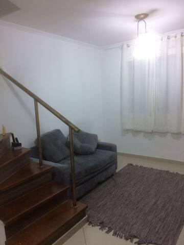 Quarto Solteiro (2 CAMAS), Fresco e aconchegante - São Paulo