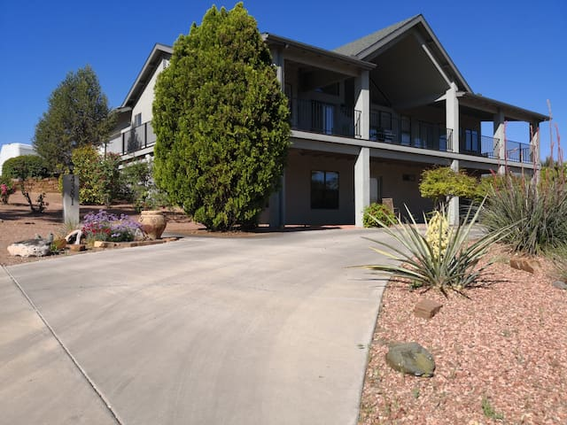 Sedona/Cottonwood-Comfort, Location and Space