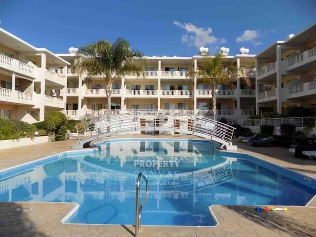 Apartment with swimming pool Paphos Universal