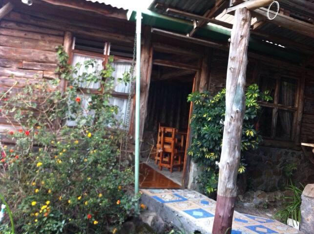 Cabaña Rustica, agradable en Cedral - Palmichal - Chalet
