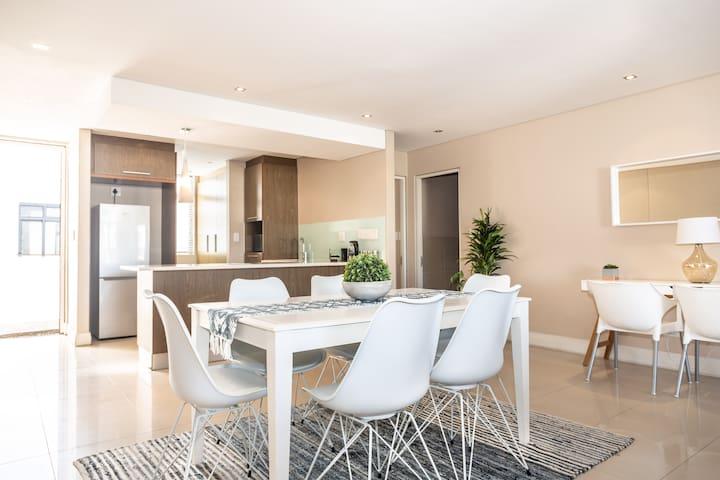 207 Eden on the Bay Luxury Top Floor Apartment