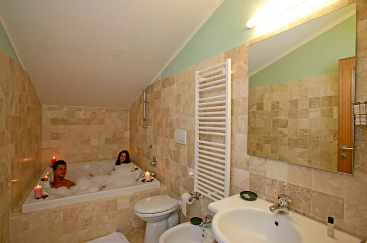 POGGIO BERTINO B&B the suite demoni - Saturnia - Bed & Breakfast