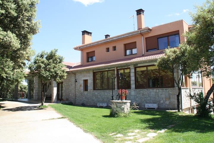 Acogedora Casa Rural LA DEHESA en Cogollos.