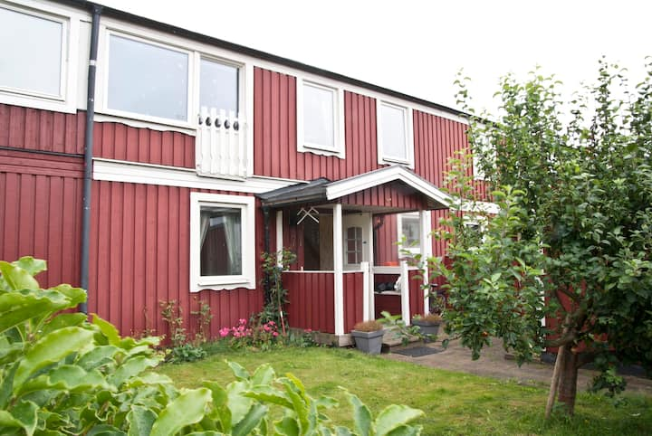 Cosy townhouse close to beaches in Gothenburg