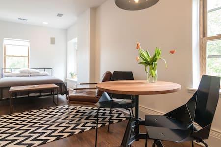 Alexandrine Studio: Fresh Gothic-Victorian - Detroit - Apartment