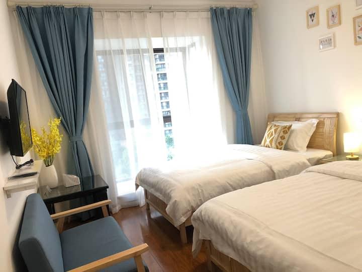 【尚雅居】园景房~火车站旁/环境优越/温馨舒适一居室家庭房