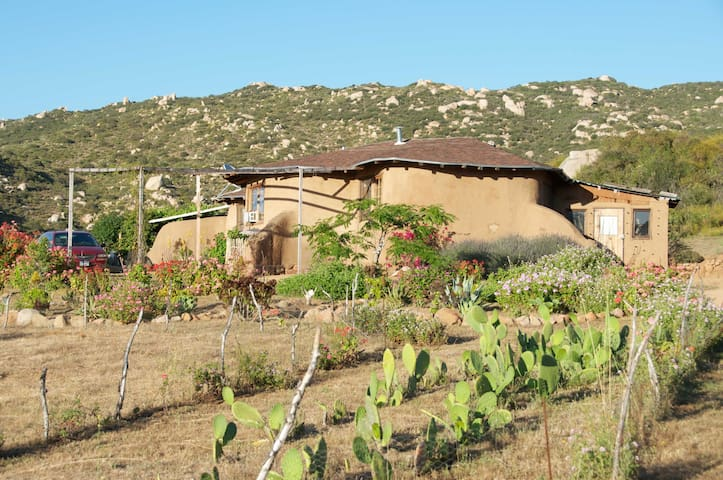 Casa de Tierra Vineyard Ecolodge - Ejido El Porvenir - Earth House