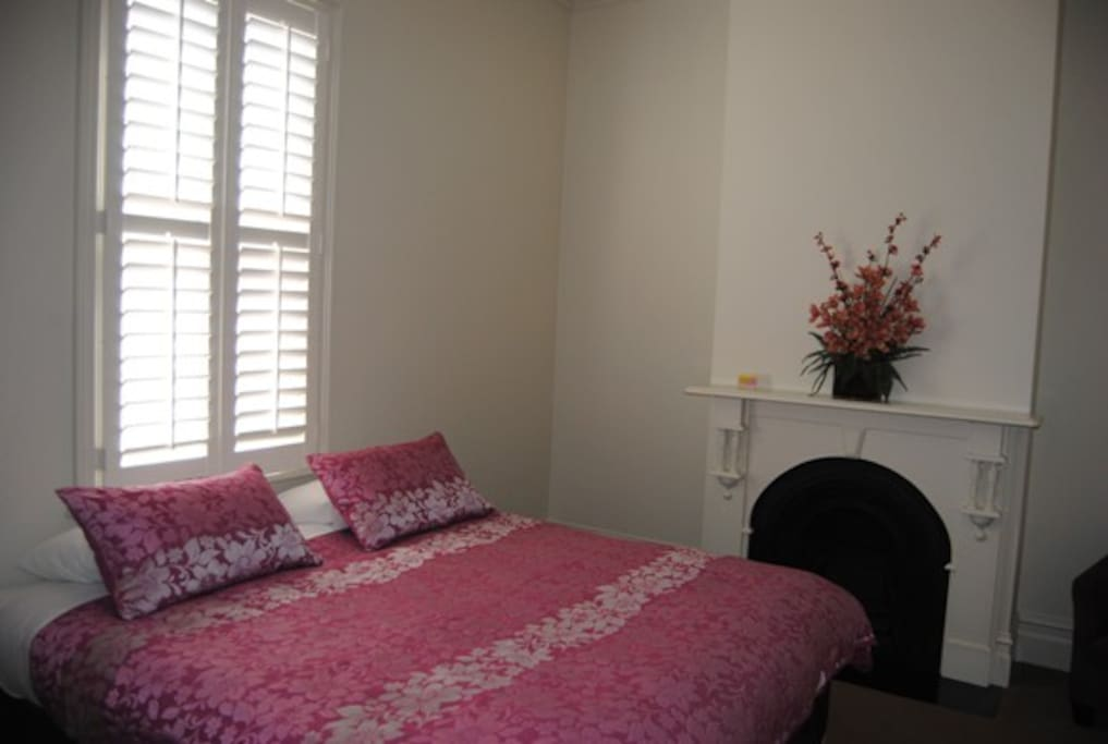 King size bed (3rd bedroom)
