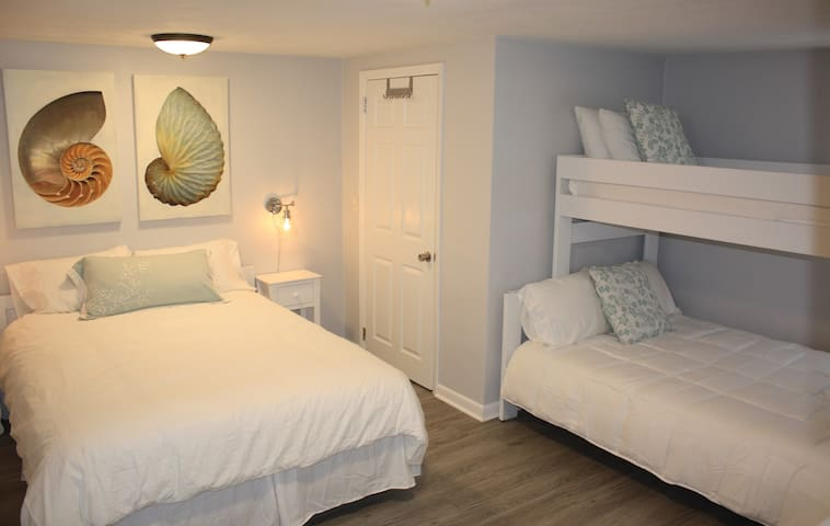 Second bedroom with Queen, Double and Twin with Flatscreen TV