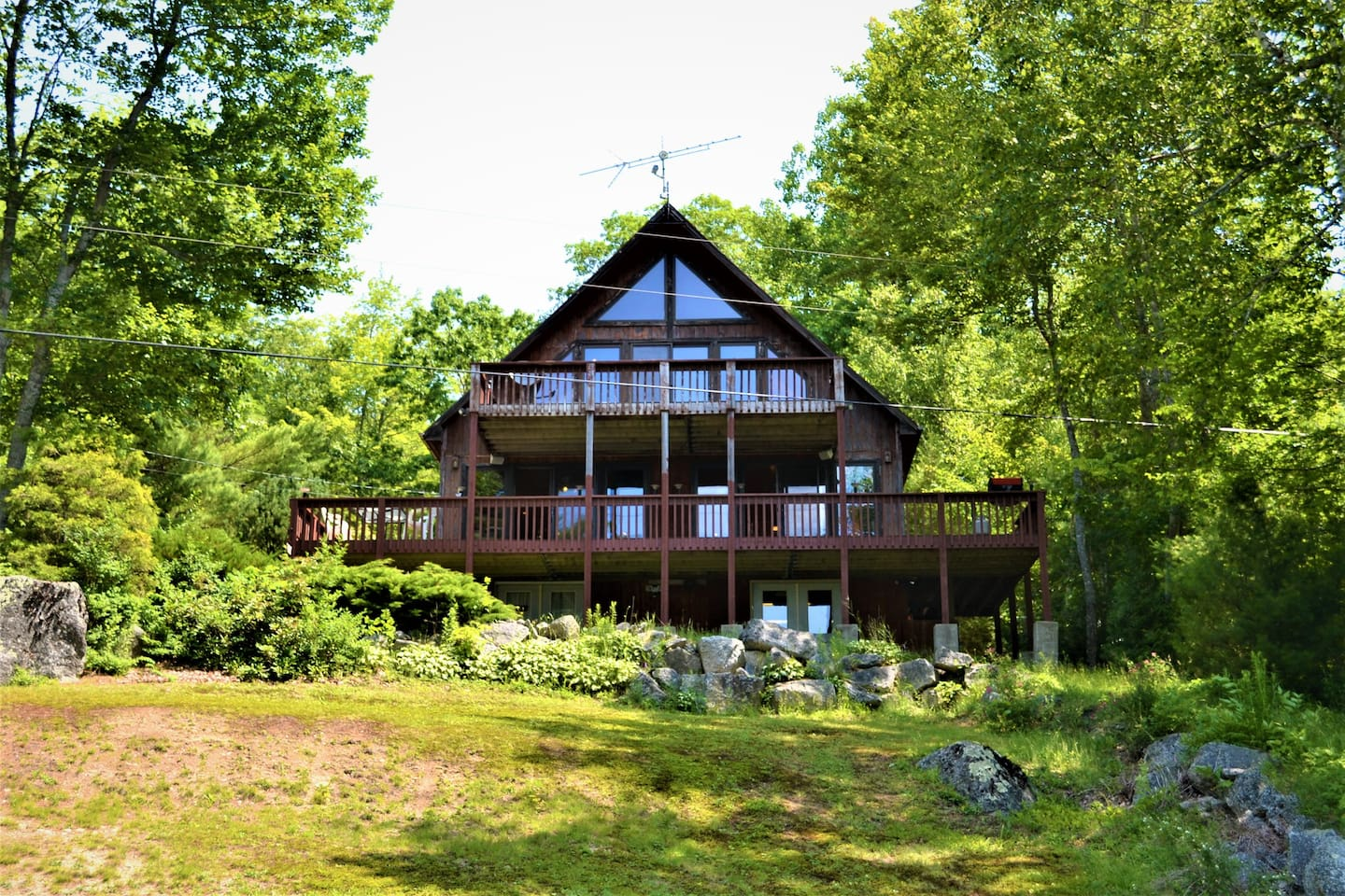 Majestic, surrounded by nature and your own private balcony overlooking the pond. It doesn't get much better than this!