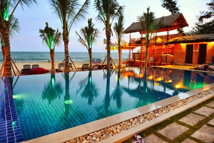 Ananda Beach Front Bungalow - Phan Thiet - Bungalow