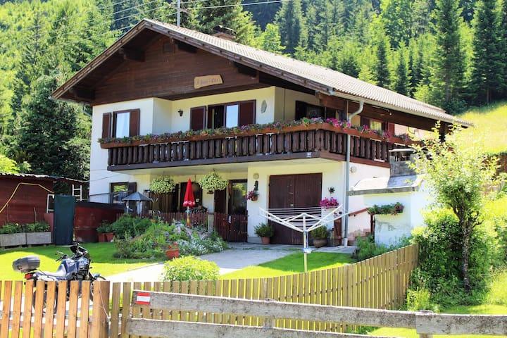 Acogedor Apartamento en Ferlach con Barbacoa