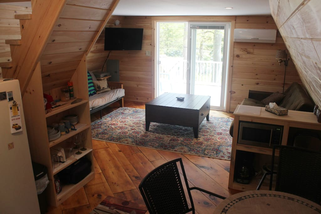 lower level view Enjoy nature or  work from home! WiFi is awesome!! Cable, heat and ac.