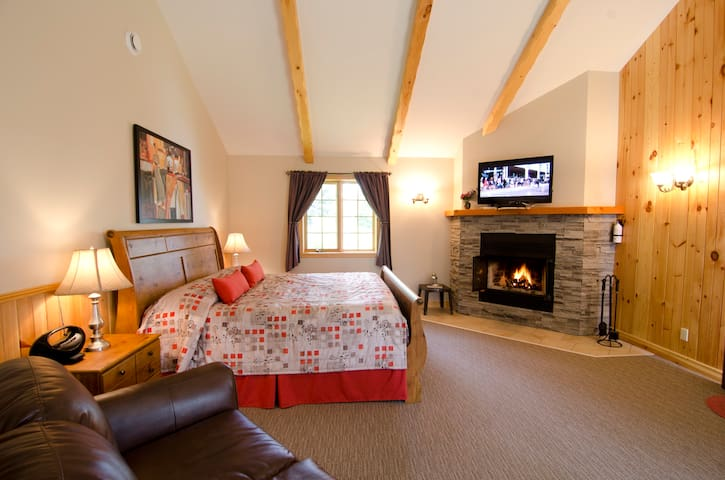 Luxury for two awaits you! - Sainte-Agathe-des-Monts