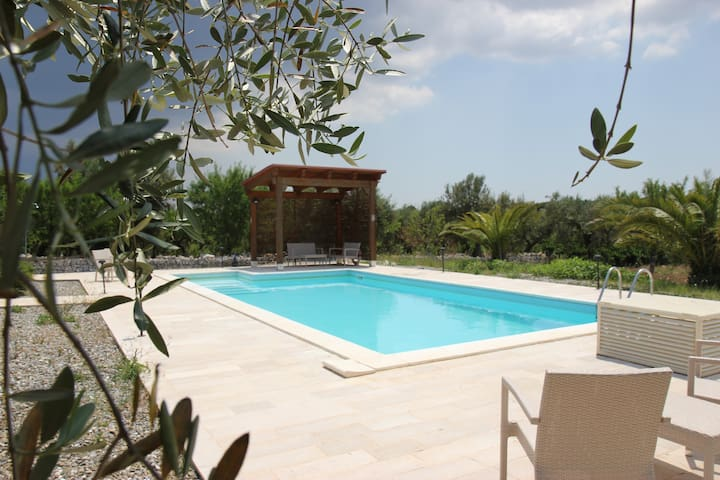 Puglia, Casa Mira with private pool