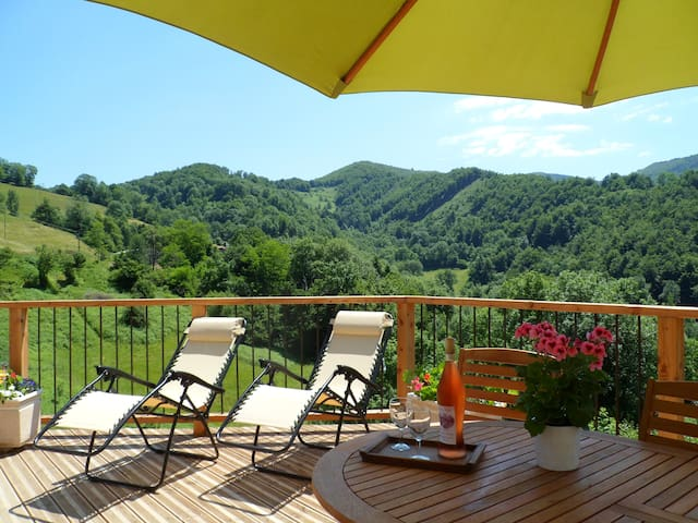 Le Coucou Gîte,Beautiful gite with Panoramic views - Saint-Girons - 獨棟