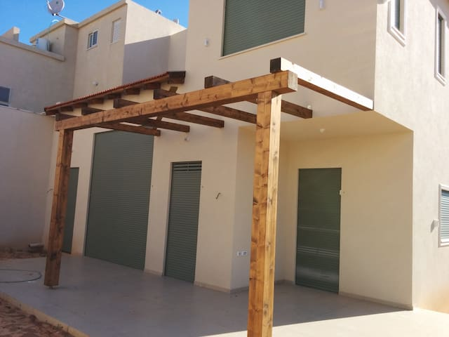 New House, 25 mins from Tel Aviv - Gedera - Haus