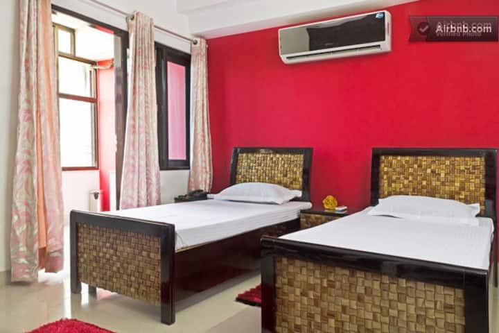 CARING HOST - LUXURY HOME STAY