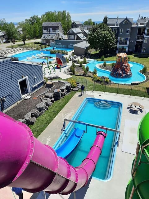 Air-conditioned studio, swimming pool and water park !