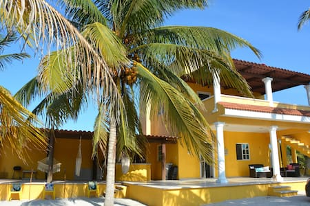 Beach Home Yucatan -Live Love Swim! - Telchac Puerto - บ้าน