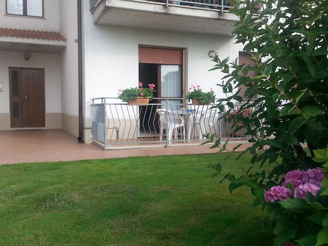 Nice master bedroom in a apartment near Garda Lake - Valeggio Sul Mincio