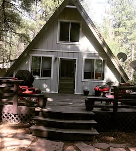 Adorable A-frame in the Pines! Dogs Welcome!
